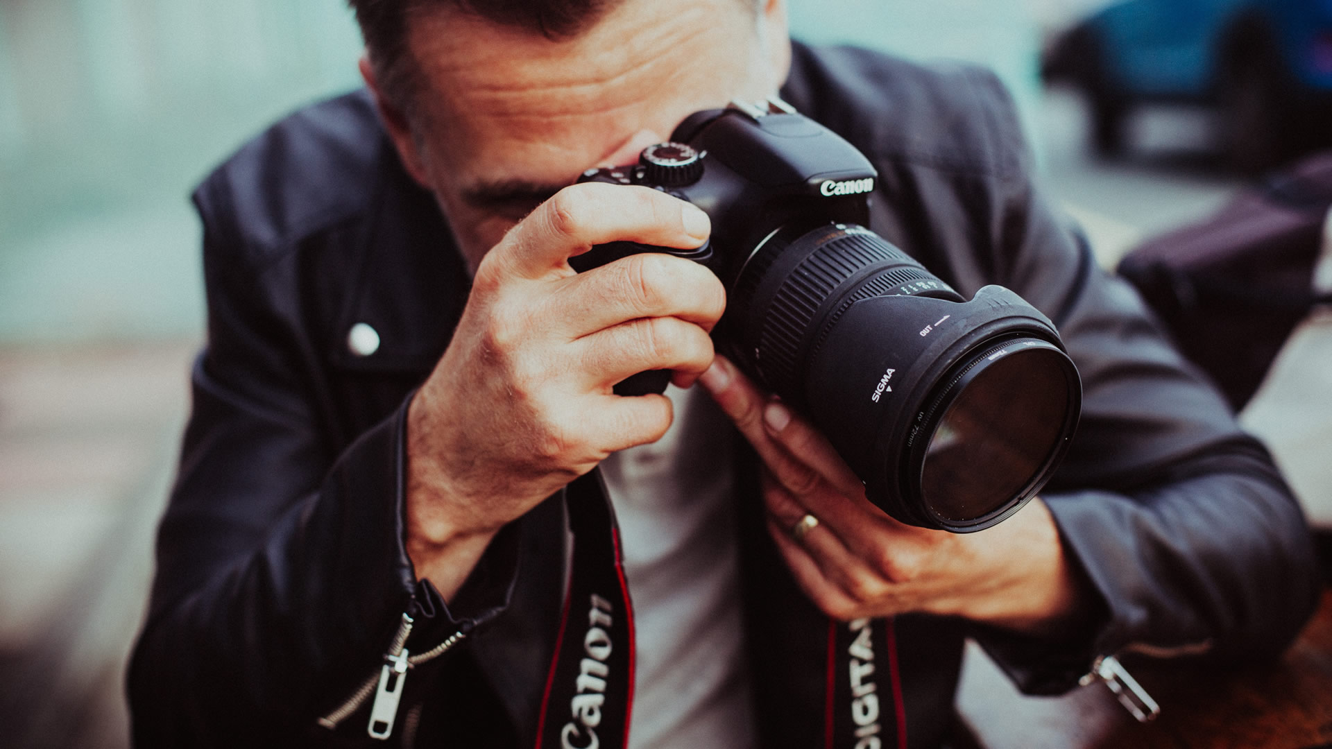barry-casson-film-and-video-photo-by-clem-onojeghuo-143621-unsplash